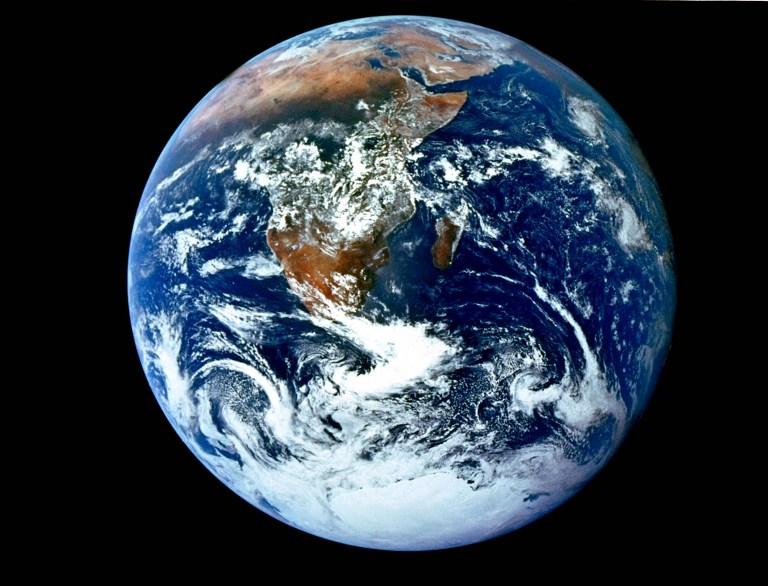 اليوم العالمي للأرض.. شبح التغير المناخي يهدد الحياة على