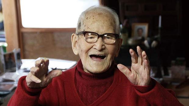 65f2235a4289d جينيس  أكبر الرجال سنا في العالم ياباني يبلغ من العمر 112 عاما ...