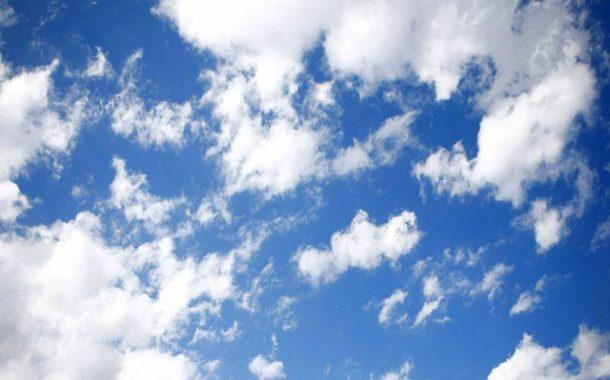 سماء قليلة السحب إلى غائمة جزئيا اليوم الثلاثاء