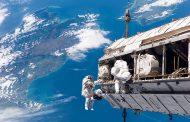 أول إنسان يصوت إلكترونيا من الفضاء..