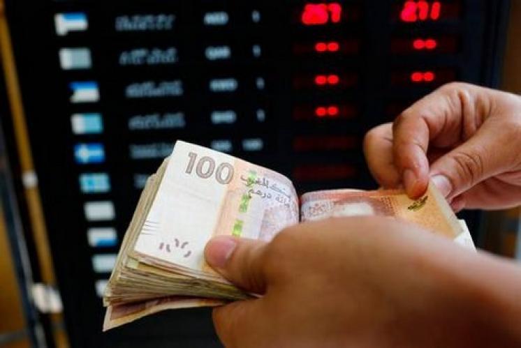 الدرهم المغربي يَعلُو على الدولار والأورو
