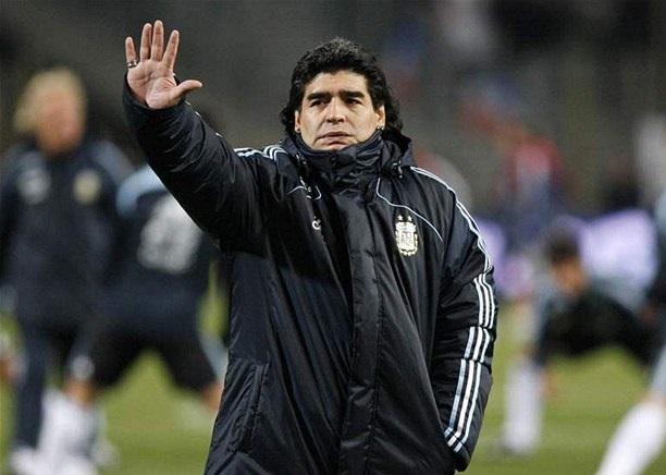 فضائح مارادونا، واعترافه بأبوة ثلاثة أبناء آخرين..