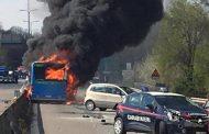 سائق يضرم النار في حافلة تقل 51 تلميذا