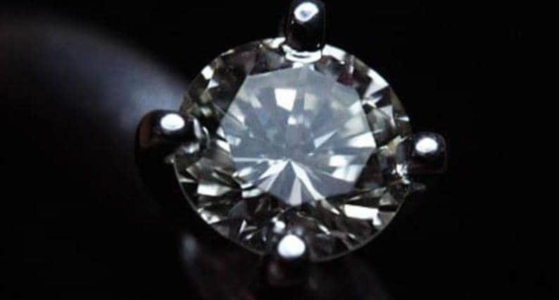 مصري يسرق خاتم وريث نابليون بونابارت، قيمته أكثر من مليون دولار..