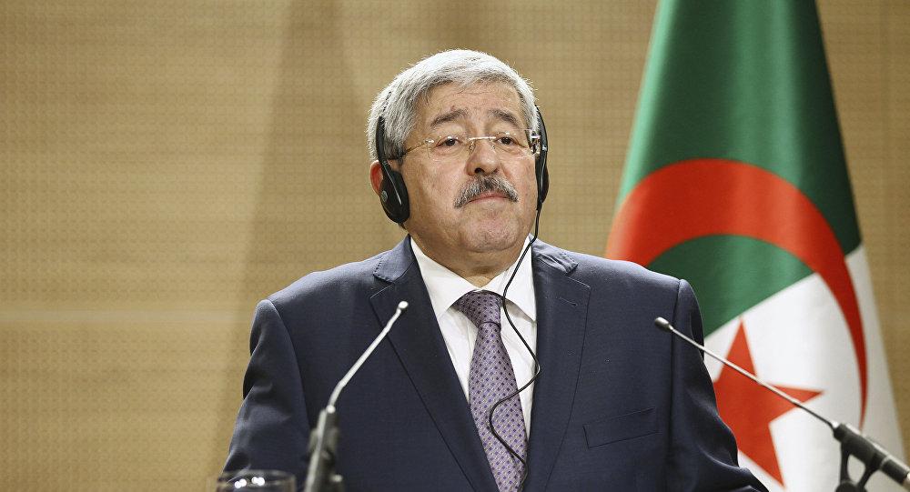مثول الوزير الأول الجزائري السابق أحمد أويحيى وعدد من الوزراء أمام قاضي التحقيق