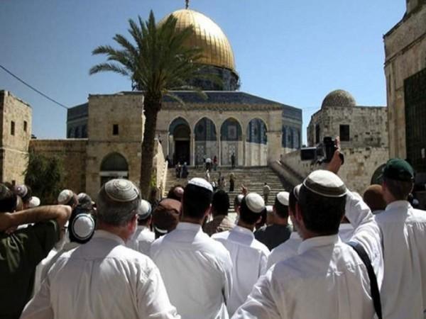 الخارجية الفلسطينية: تصعيد الاقتحامات الإسرائيلية للمسجد الأقصى دعوة ممنهجة لصراع ديني