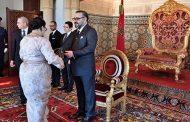 الملك يعين عددا من السفراء الجدد ويستقبل عددا من السفراء الأجانب بعد انتهاء مهامهم