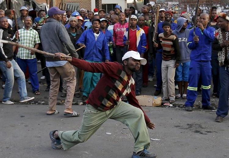 الأجانب بجنوب إفريقيا: