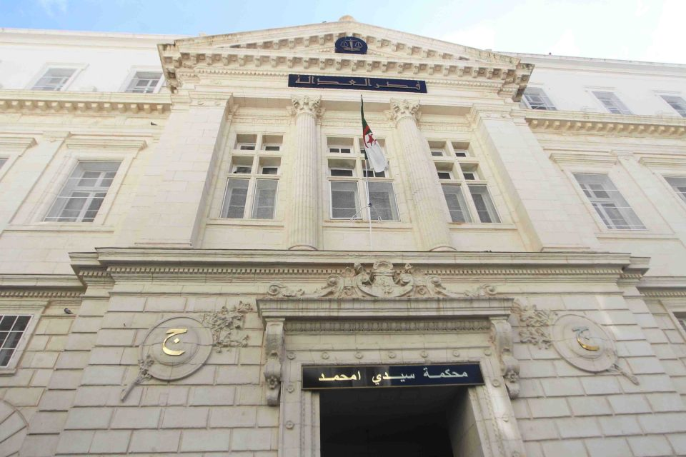 النيابة العامة تُطالب بإدانة ابن الرئيس الجزائري بسنتين سجنا، والقضاء يُبرئه، فمن نصدق