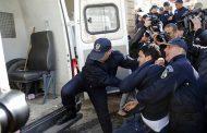 التعذيب الحقيقي بالجزائر، الضرب بالهراوات واعتقال العشرات، 24 ساعة على إجراء العسكر للانتخابات المطبوخة