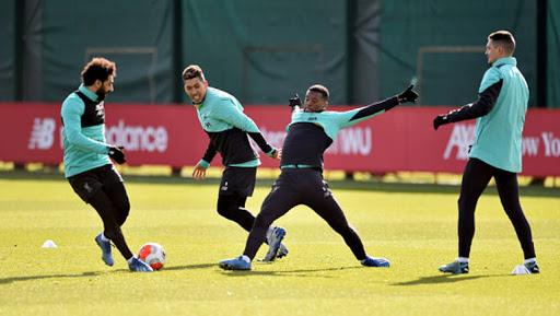 نادي ليفربول أول فريق يستأنف التدريبات