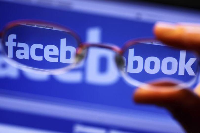 (فيسبوك) تتصدى للتضليل الإعلامي