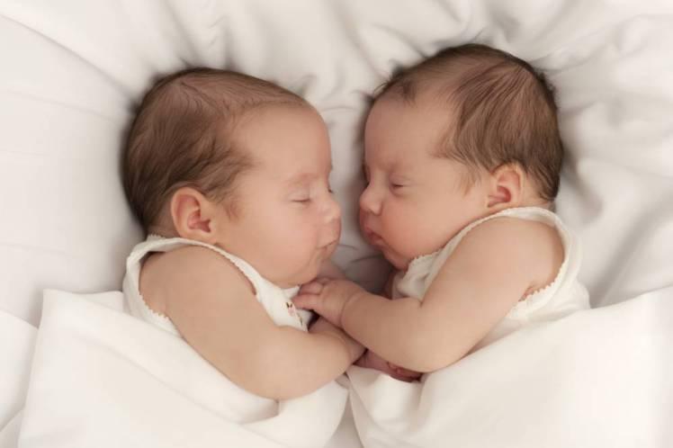 أكثر من 1,6 مليون زوج من التوائم يولدون في كل أنحاء العالم