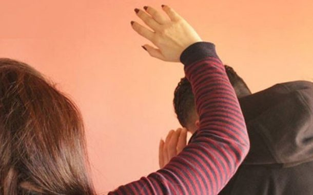 الرجال يعانون من العنف النفسي داخل السياق الزوجي