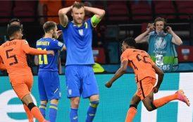 منتخب هولندا يفوز بصعوبة بالغة على نظيره الأوكراني