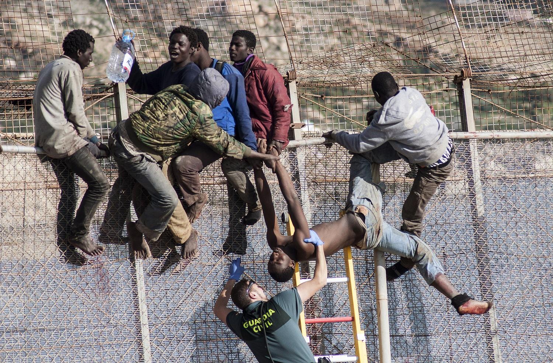 تقرير ألماني: 100 مليون مهاجر من افريقيا جنوب الصحراء سيعبرون المملكة نحو القارة العجوز