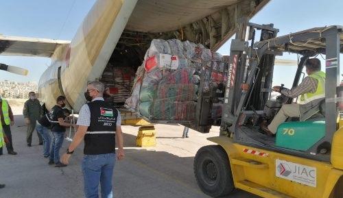 وصول الدفعة الأولى من المساعدات الإنسانية المغربية الموجهة للفلسطينيين