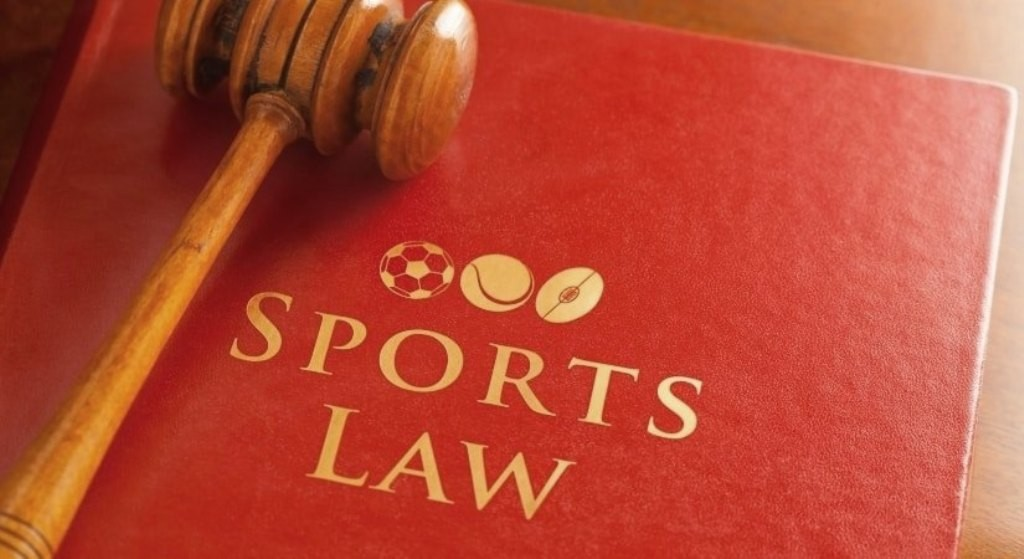 بيع أول نسخة من كتاب قوانين كرة القدم بأكثر من 65 ألف أورو