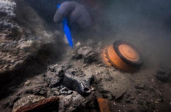اكتشاف حطام سفينة حربية من العصر البطلمي