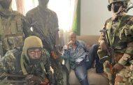 انقلابيون يعلنون القبض على الرئيس الغيني وفوضى تعم كوناكري